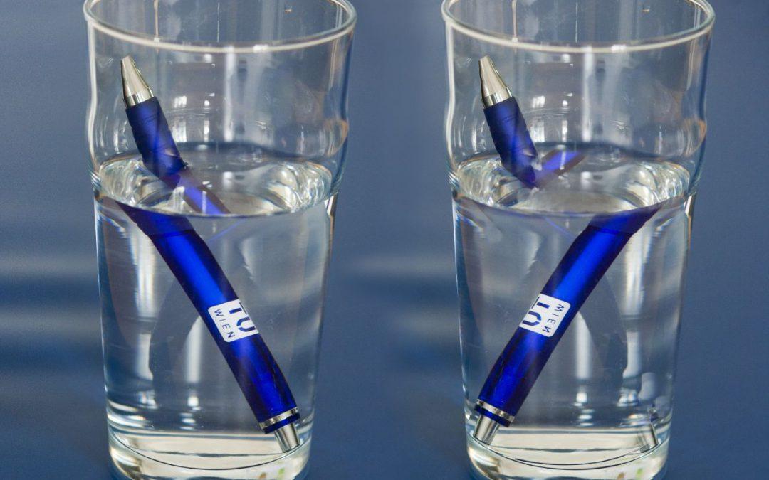 آب کدام لیوان شیرینتر است؟ (محاسبه ضریب شکست مایع با اندازه گیری زاویه شکست)